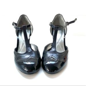 Naturalizer patent leather Mary Jane's size 11